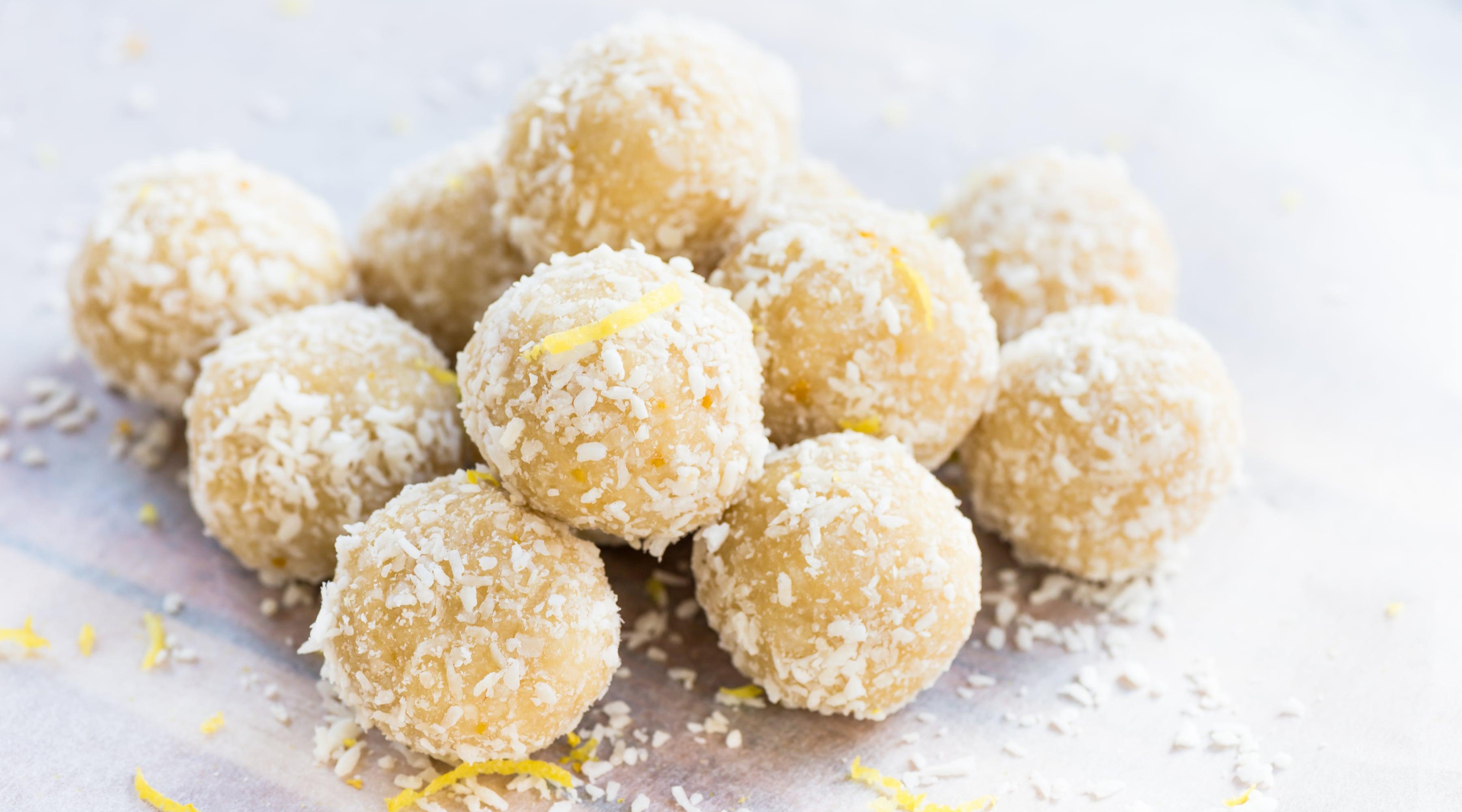 Raw citron- och kokosbollar