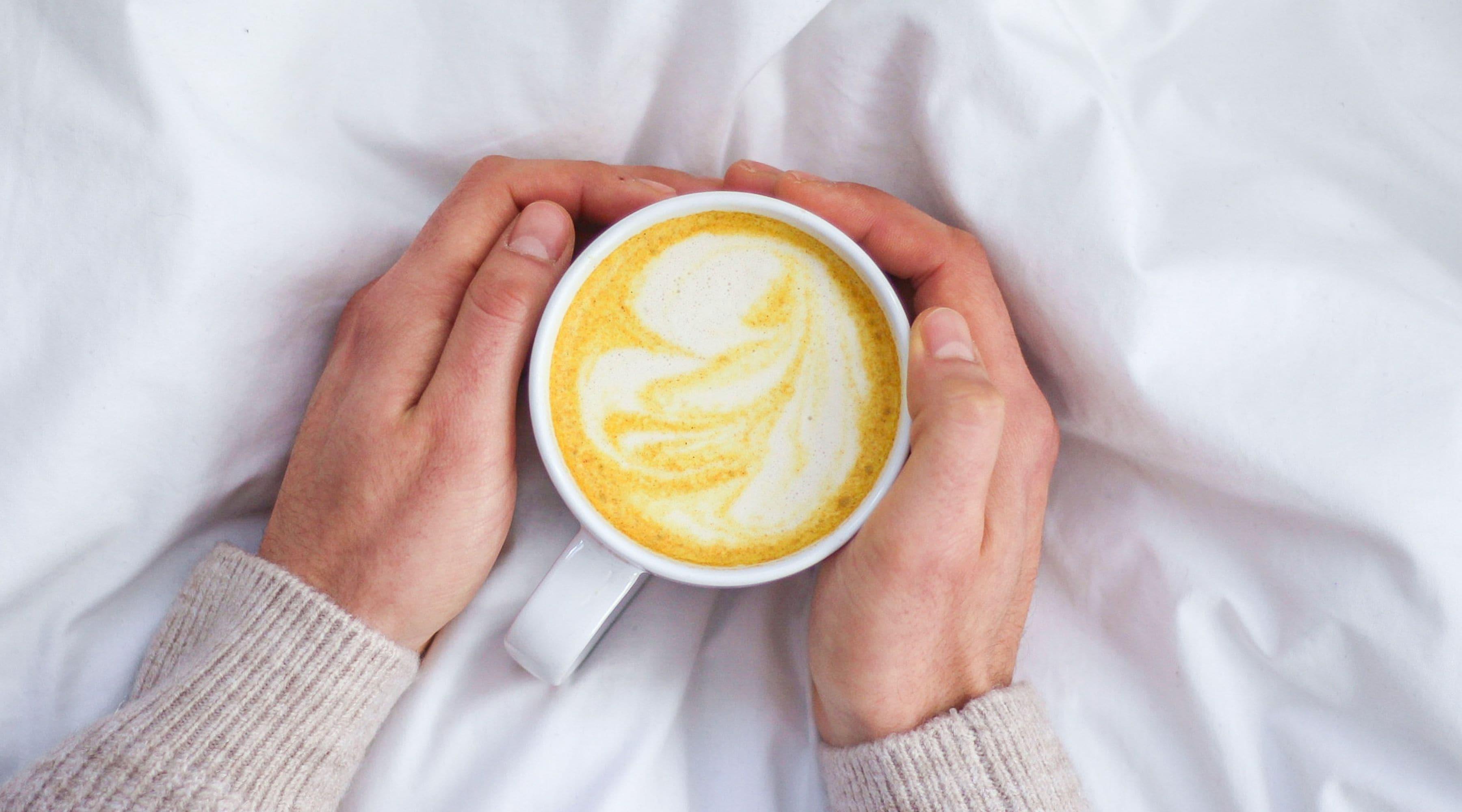 Guldmjölk - värmande dryck med gurkmeja